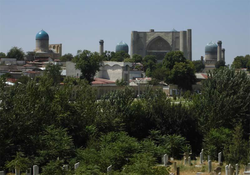 Blick-von-Bibi-Khanum-Moschee
