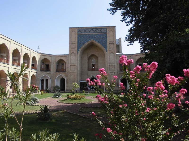 Innenhof-kulkedash-madrasa