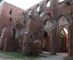 Ruinen der Domkirche