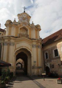 Portal des ehemaligen Basiliusklosters